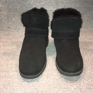 UGG McKay Style Black Suede Strapped Sz 8